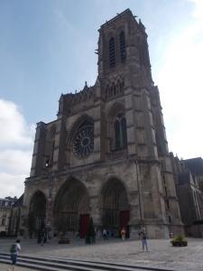 084 - Soissons - katedrála sv. Gervasia a Protasia (po 1175 J příčná loď, got. 1212-40, úpr. 14., 16., 18.st., vysv. 1479, 1567 okupace hugenoty)