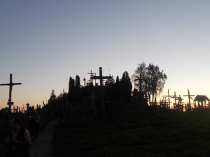 554 - Litva, Hora křížů, soumrak nad vrchem 27.8.2018