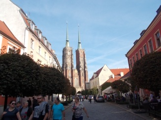 123-vratislav-katedralna-ul-od-jz-vpr-areal-cp-13-pal-sufraganu-a-arcibiskupa-got-1240-60-14-st-klas-po-1791-f-langhans-vpr-cp-9-pap-teologicky-sem-v-poz-katedrala-sv-j